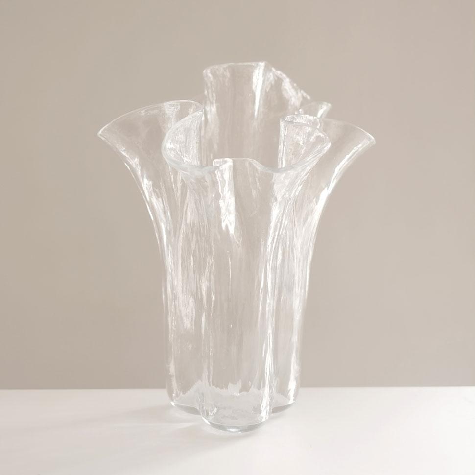 LARGE SCULPTURAL GLASS VASE