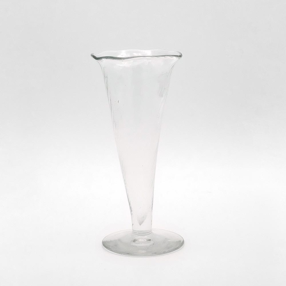 DELICATE FLUTED GLASS VASE
